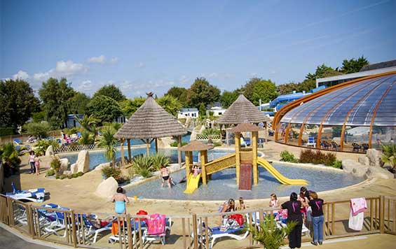 Campings 4 toiles en france vacances en camping 4 etoiles - Camping albertville avec piscine ...